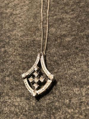Brand New Diamond vintage-style silver necklace