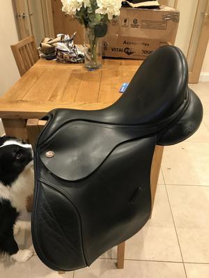 Kent and master saddle