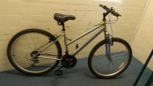 Ladies town bike MTB (EXCELLENT CONDITION)