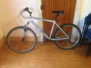 Raleigh mountain bike, 21 gears, V brakes, serviced.