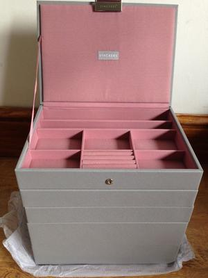 Stackers grey & pink jewellery boxes, set of 5 RRP £, brand new still in packaging