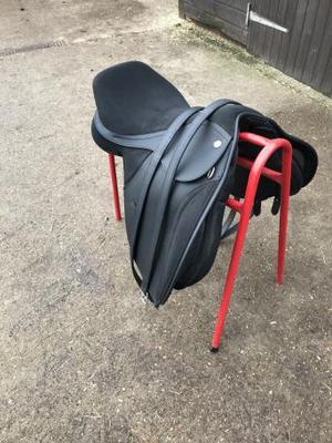 """17"""" Thorowgood T4 GP saddle with orange gullet"""