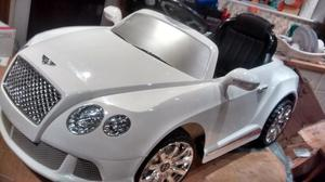 Bentley Coupe ride on car (in white)