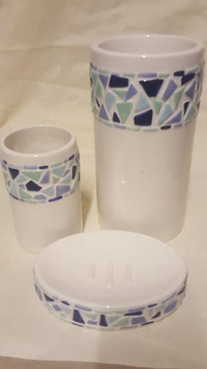 Blue mosaic bath set