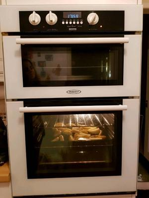 Hotpoint BD32 double electric oven and grill
