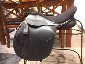 "Thorowgood T4 COB GP saddle 17.5"" Black adjustable gullet"
