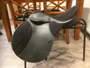 "Thorowgood T4 Pony Club Saddle 16.5"" Standard leg"