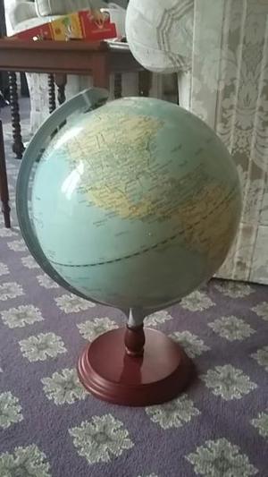 Vintage Globe Metal Agate Surround.
