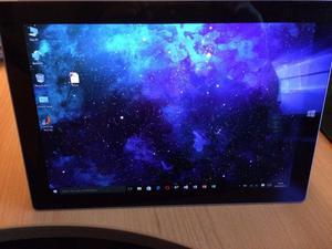 Microsoft Surface Gb, 4Gb Ram, Windows 10 version
