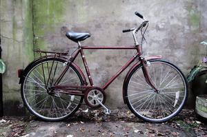 RALEIGH COURIER. 21 inch, 54 cm, small size. Vintage gents dutch style traditional road bike