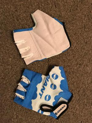 Cycling giant gloves brand new