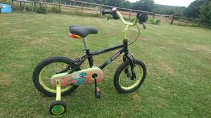 Halfords Apollo kids bike