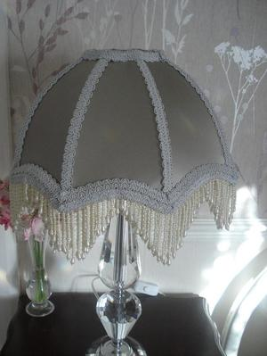 LAMPSHADE SILVER/GREY WITH PEARL FRINGE