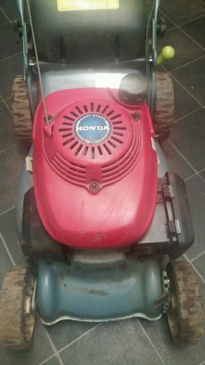Petrol honda lawn mower