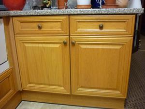 Various Kitchen Units (Oak Finish)