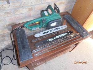 W CORDED ELECTRIC CHAINSAW