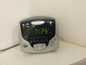 CD Cube Clock Radio