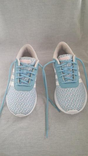 LADIES' ADIDAS LIGHT TRAINERS. BLUE & WHITE. SIZE 5.