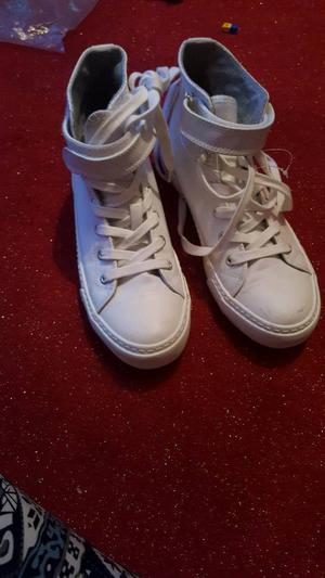 Ladies high top trainers vgc size 6