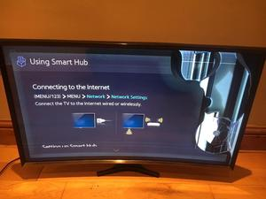"Samsung smart curved 32"" Tv damaged screen and stand"