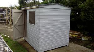8x6 tongue and groove shed in good condition