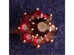 Ladies Jewellery 9ct Gold Garnet Cluster Ring Fully