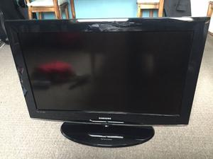 "32"" SAMSUNG LCD TV BUILTIN FREEVIEW HDMI PORTS CAN DELIVER"