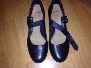 Clarks size 5 BRAND NEW ladies shoes