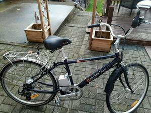 Gents used electric bike in very good condition. new lithium battery and charger.