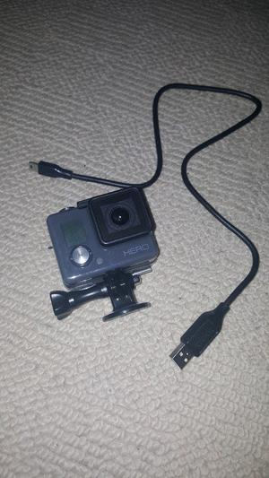 GoPro HERO Camcorder Sports Action Camera 5MP Waterproof (40m) P Black & 60 piece accessory kit