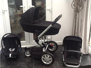 Quinny buzz black travel system in Newport