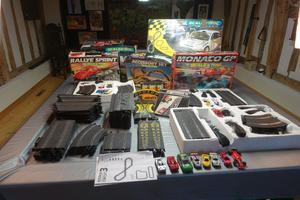 Selection of Scalextric sets, extra track, cars and accessories