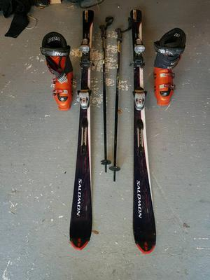 Snow skis and poles
