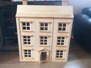 Toys R Us wooden house