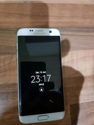 White Samsung galaxy S7 edge