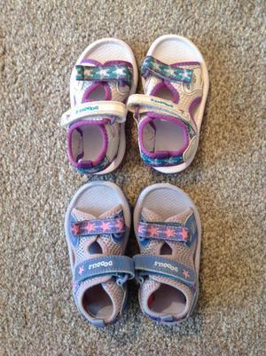 Clarks doodles sandals - toddler / child size 4.5