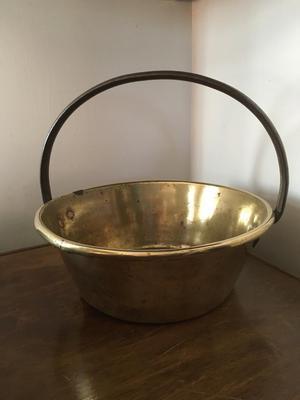 Heavy brass jam pan
