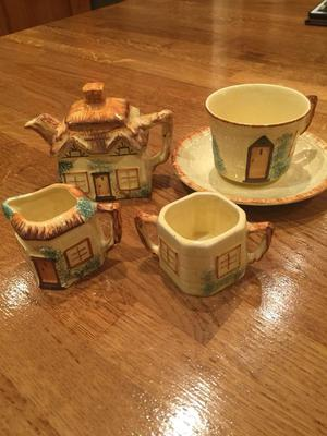 Keele street pottery tea set