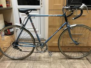 "Raleigh vintage Road Bike. 23"" Frame. XL. 700cc Wheels. Extra large bike"