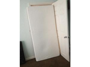 Single memory Foam mattress immaculate condition in Dewsbury
