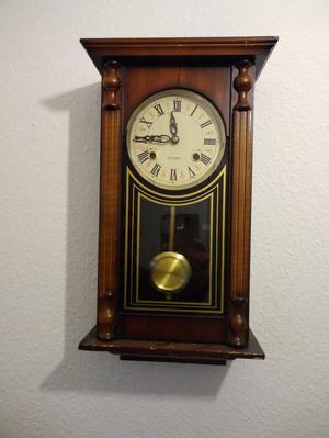 Wind up pendulum wall clock