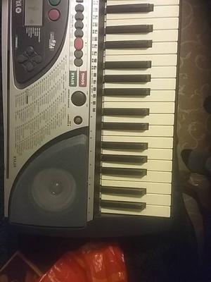 Yamaha per 240 keyboard and stand