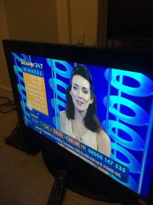 """TV 40"""" HD SAMSUNG BUILT IN FREEVIEW"""