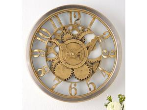 Stunning Gold Wall Clock in Milton Keynes