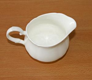 White T Pot and two milk jugs