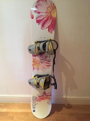 Almost new snowboard/ bindings