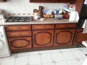 good condition kitchen units,cooker,cooker hood.