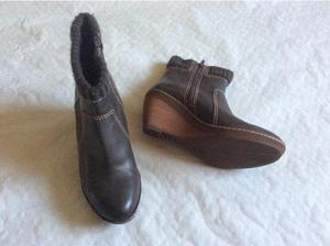CLARKS GREY LEATHER LADIES ANKLE BOOTS FOR SALE in Newport