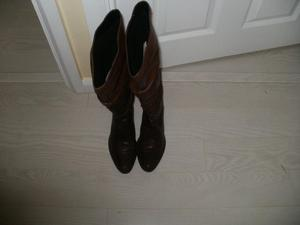 Womens Brown Boots Size 6 (39)
