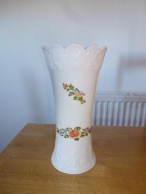 Aynsley Cottage Garden Vase Fine Bone China